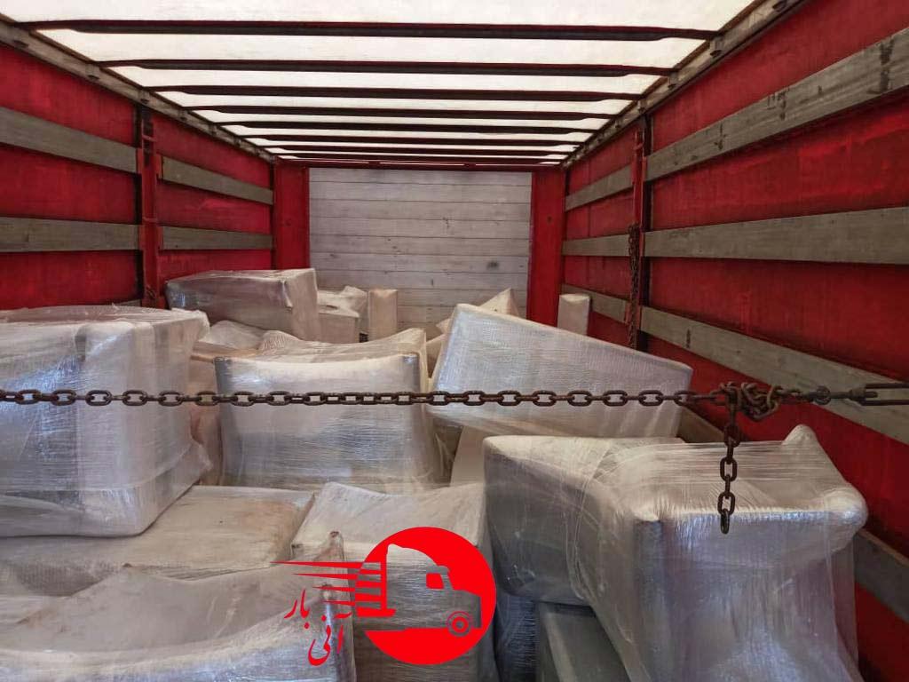 چیدمان مبلمان در کامیونت برای ارسال به ترکیه